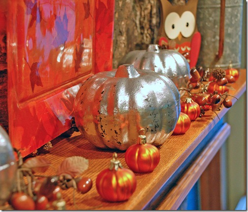 Mirrored-Pumpkin-Mantel--Ch