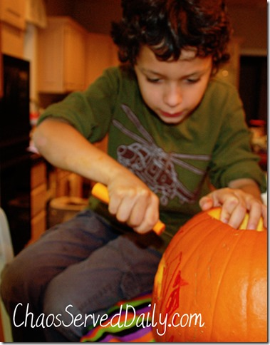 Halloween-Carving-A-ChaosSe